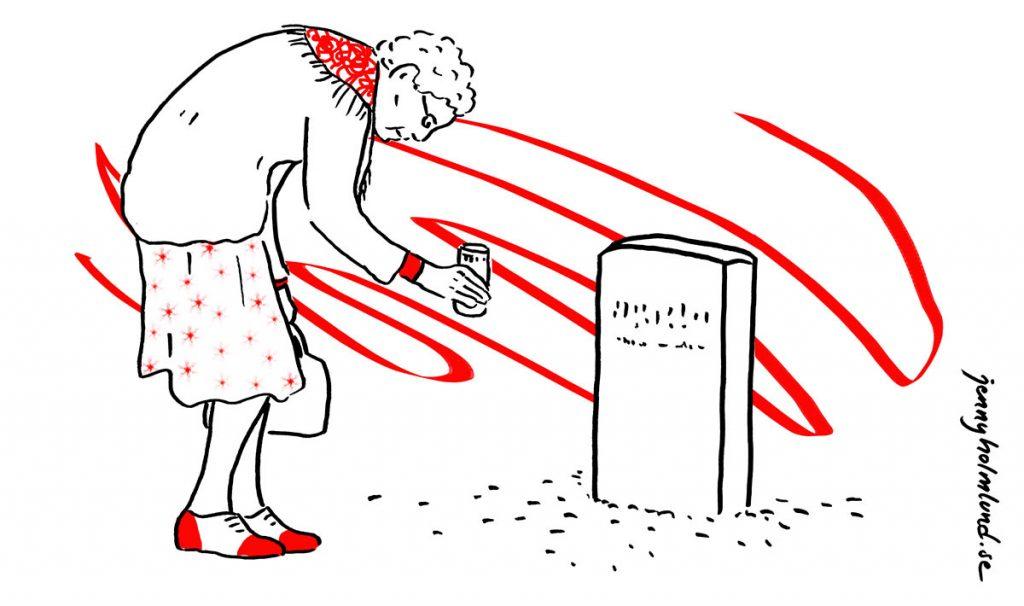 äldre-kvinna-med-gravljus-vid-grav